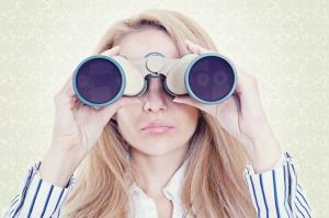 binoculars_blondewoman